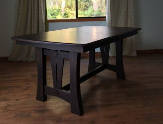 Butterfly Leaf Table Impresses in Oak
