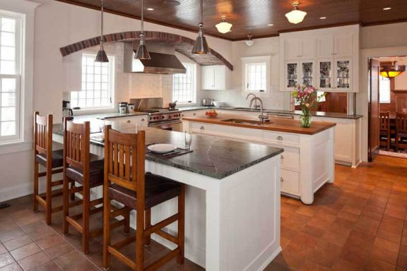 ... Arts U0026 Crafts Is An Interior Designed To Reflect The Arts And Crafts  Movement. Inside This Beautifully Designed Minnesota Home, You Will Find A  Kitchen ...