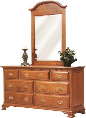 Elizabeth's Tradition Grand Dresser