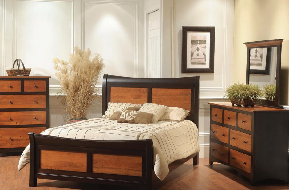 Manchester Bedroom Furniture Set image 1