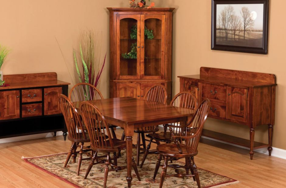 Taunton Dining Room Set image 1