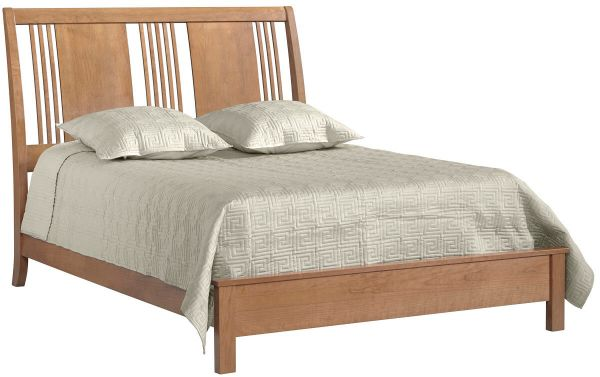 Beauford Spindle Bed in Cherry with Au Naturel finish