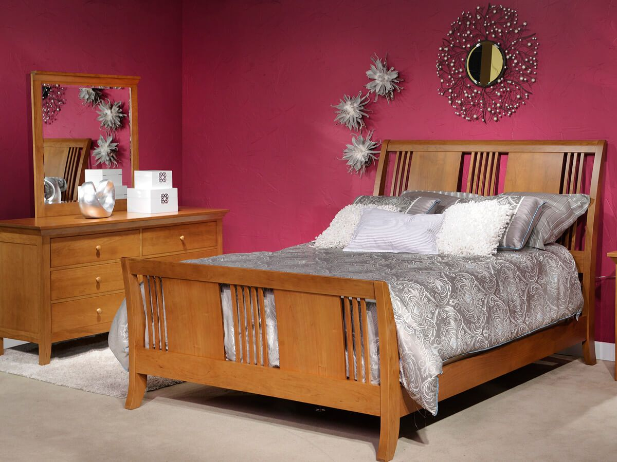 Beauford Amish Bedroom Furniture Set in Cherry Wood