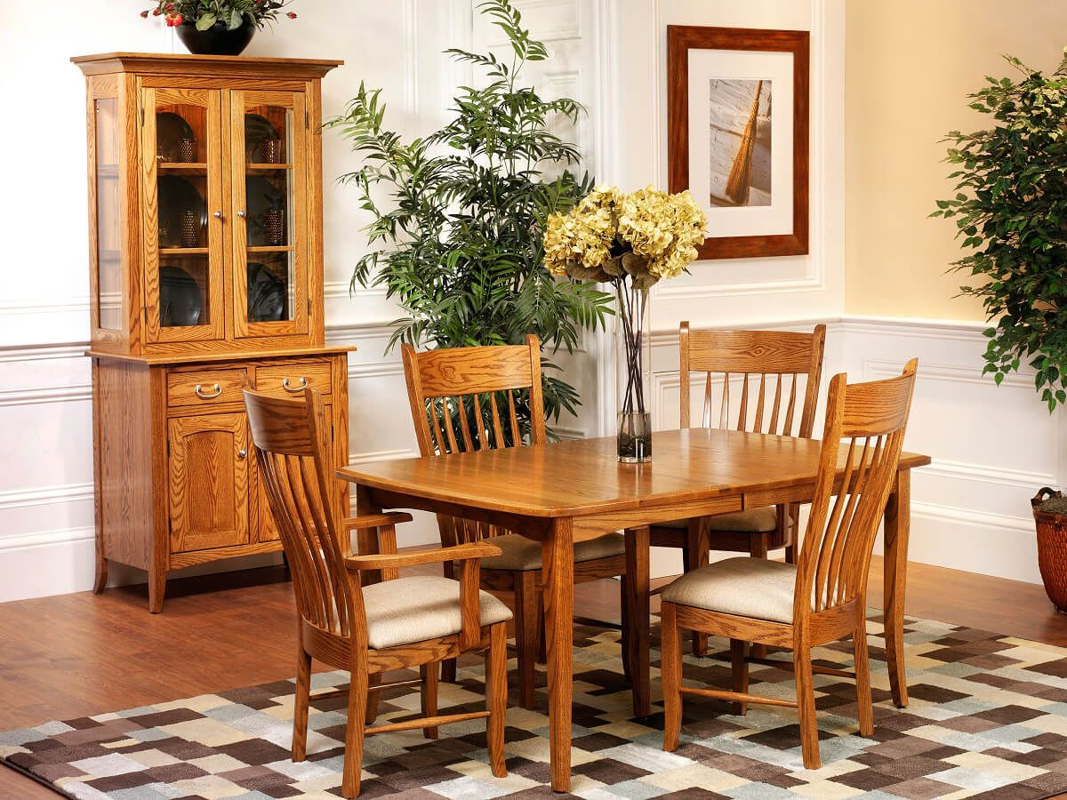South Hooksett Dining Set in Oak