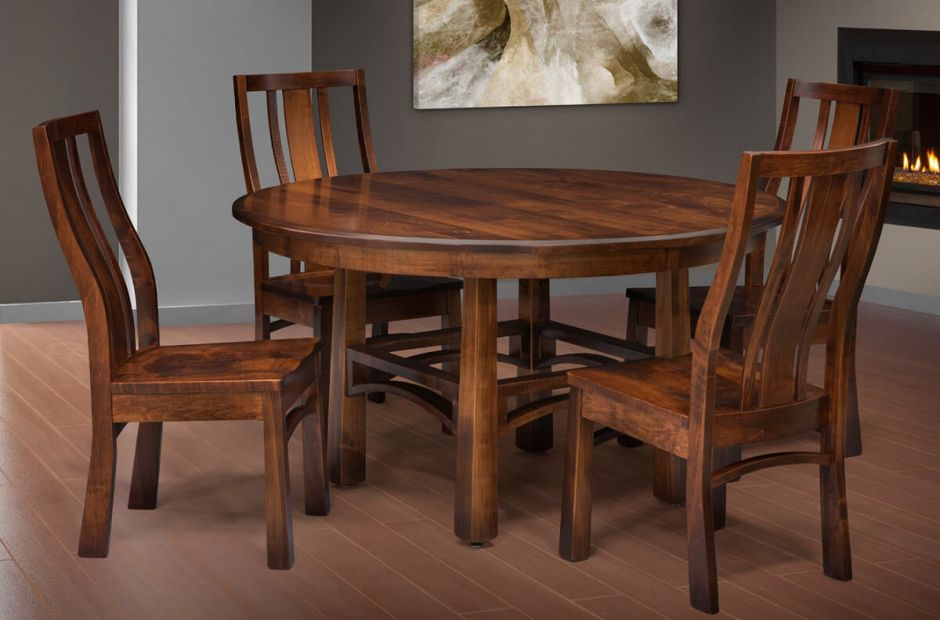 Encheandia Dining Set image 1