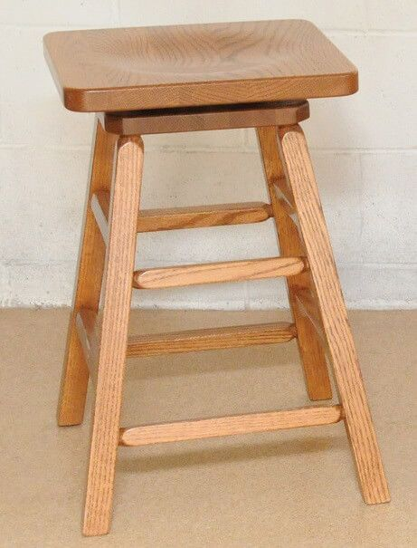 San Luis Swivel Barstool in Oak