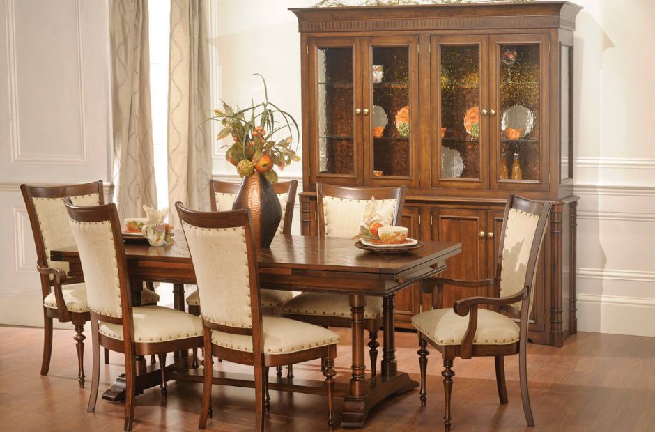 Coal Run Dining Set image 1