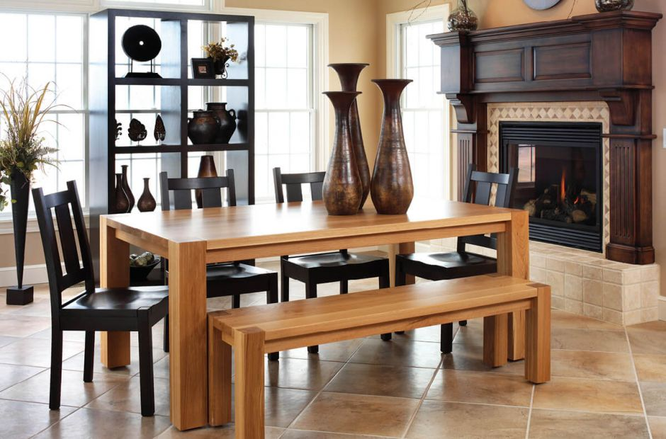 Currow Dining Set image 1