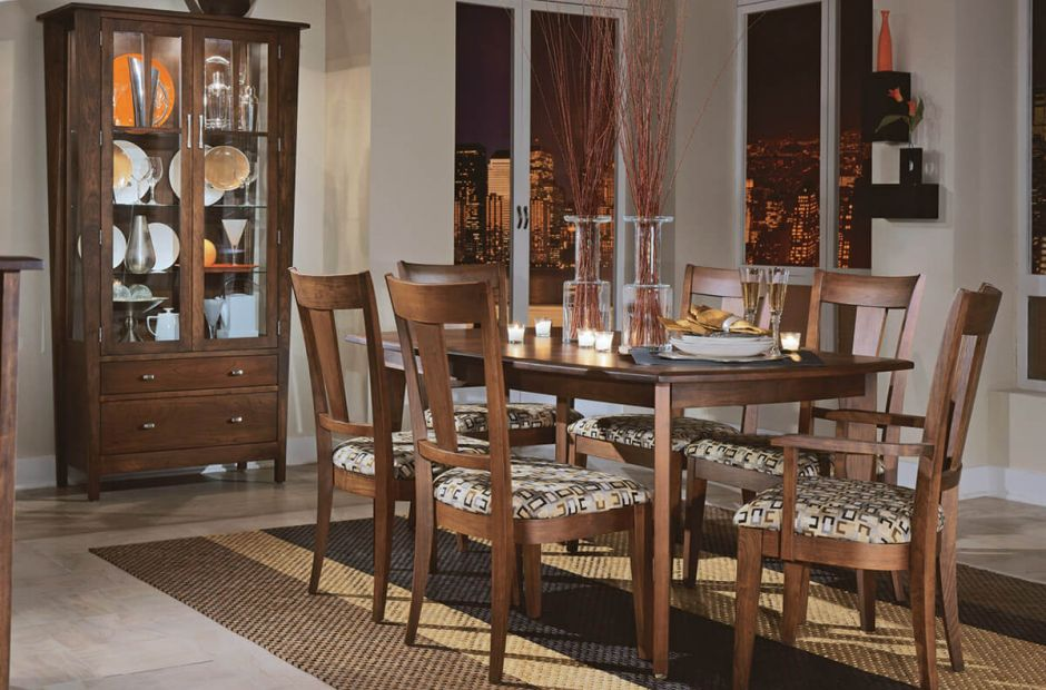 Gilcrest Dining Set image 1