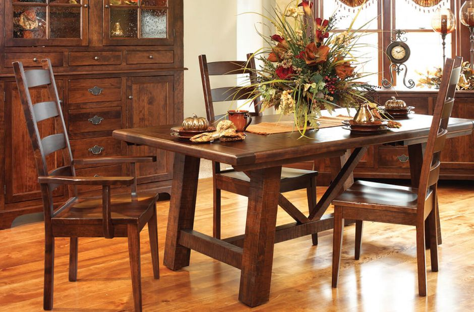 Lamesa Dining Room Collection image 1