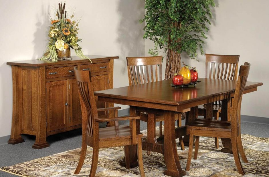 Fayston Dining Set image 1