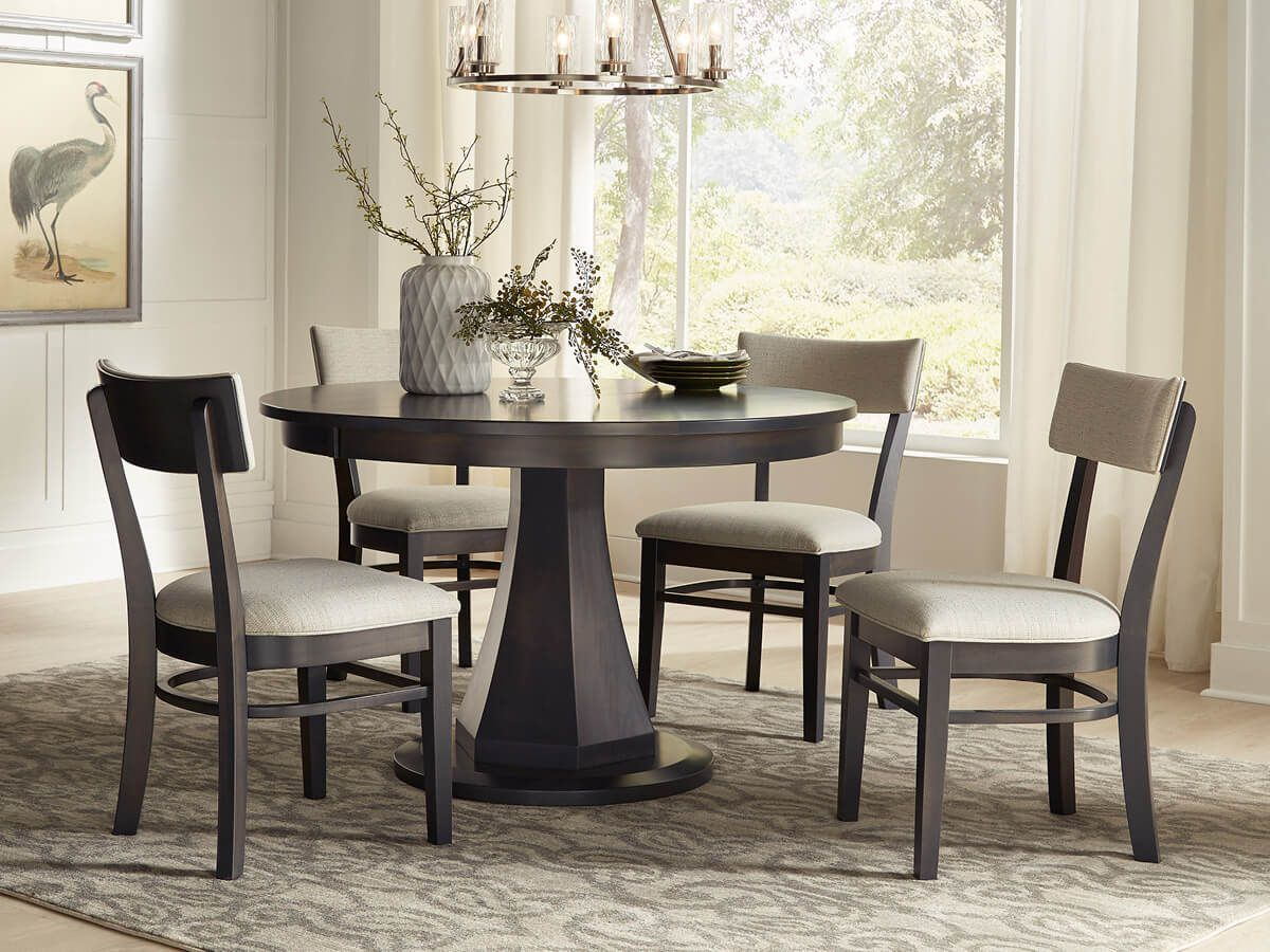 Bermuda Run Dining Set