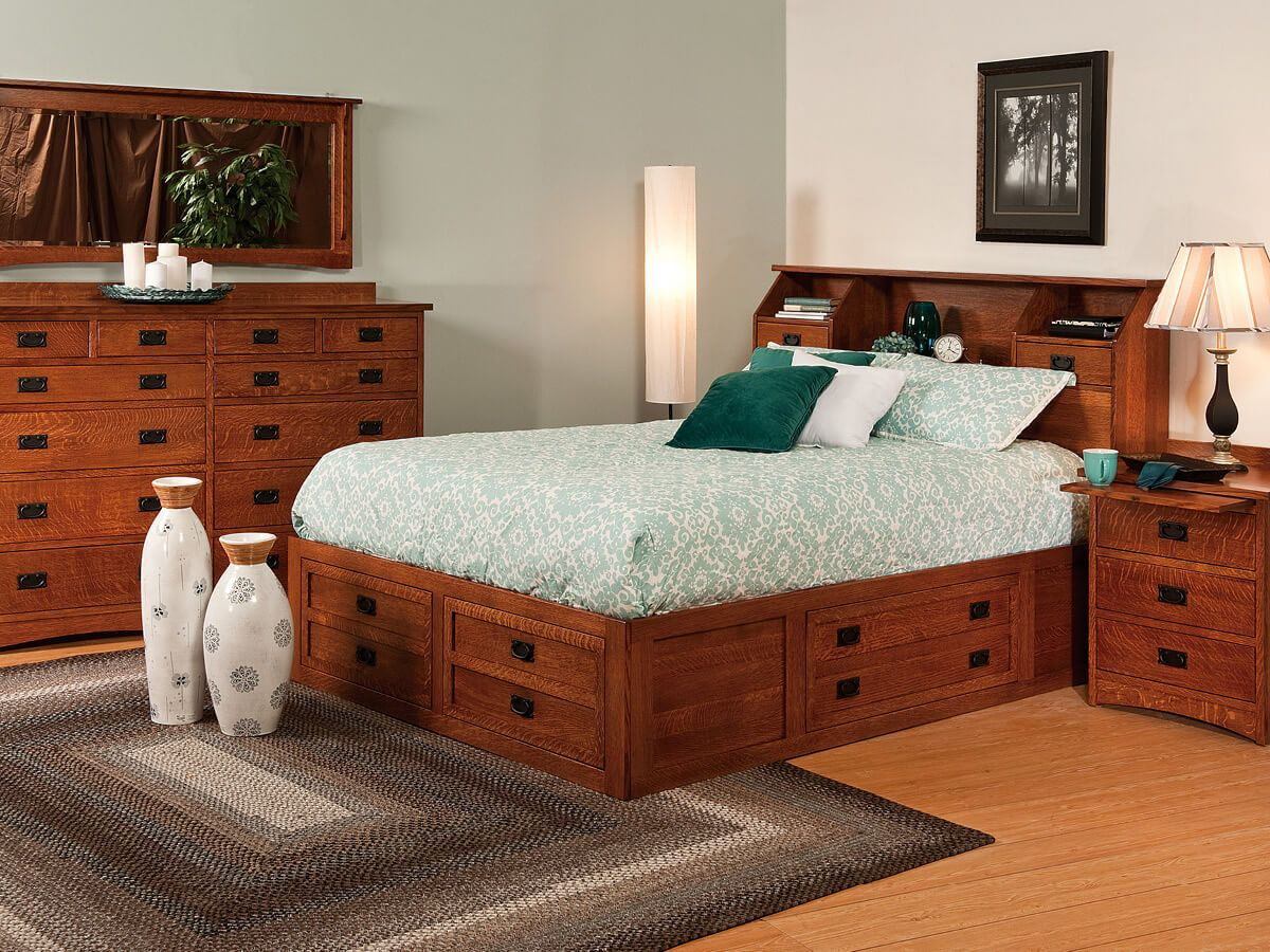 Mandeville Bedroom Set