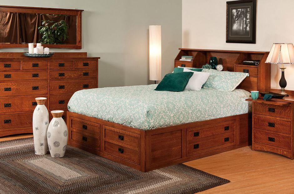 Mandeville Bedroom Set image 1