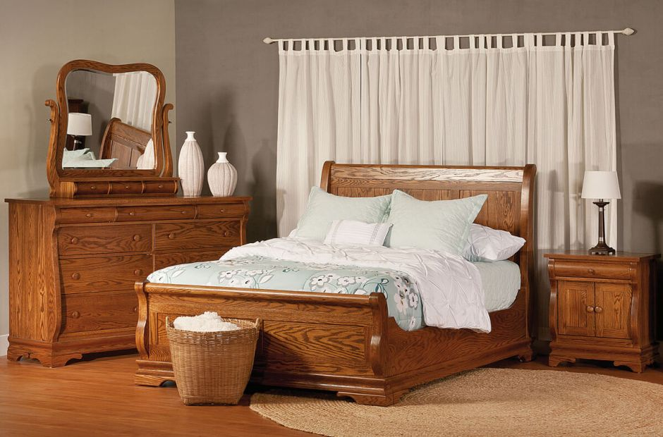 Milwaukee Sleigh Bedroom Set image 1