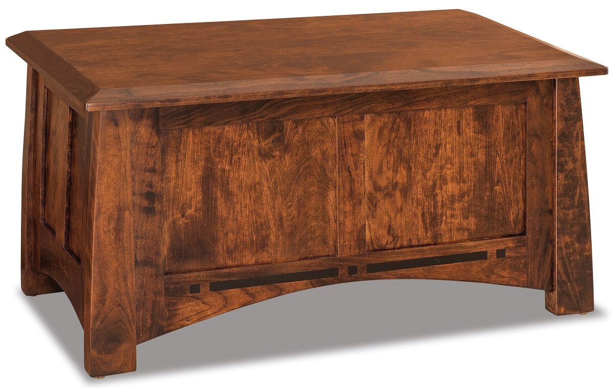 Castle Rock Small Blanket Chest