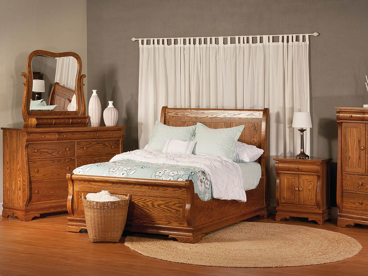 Milwaukee Sleigh Bedroom Set