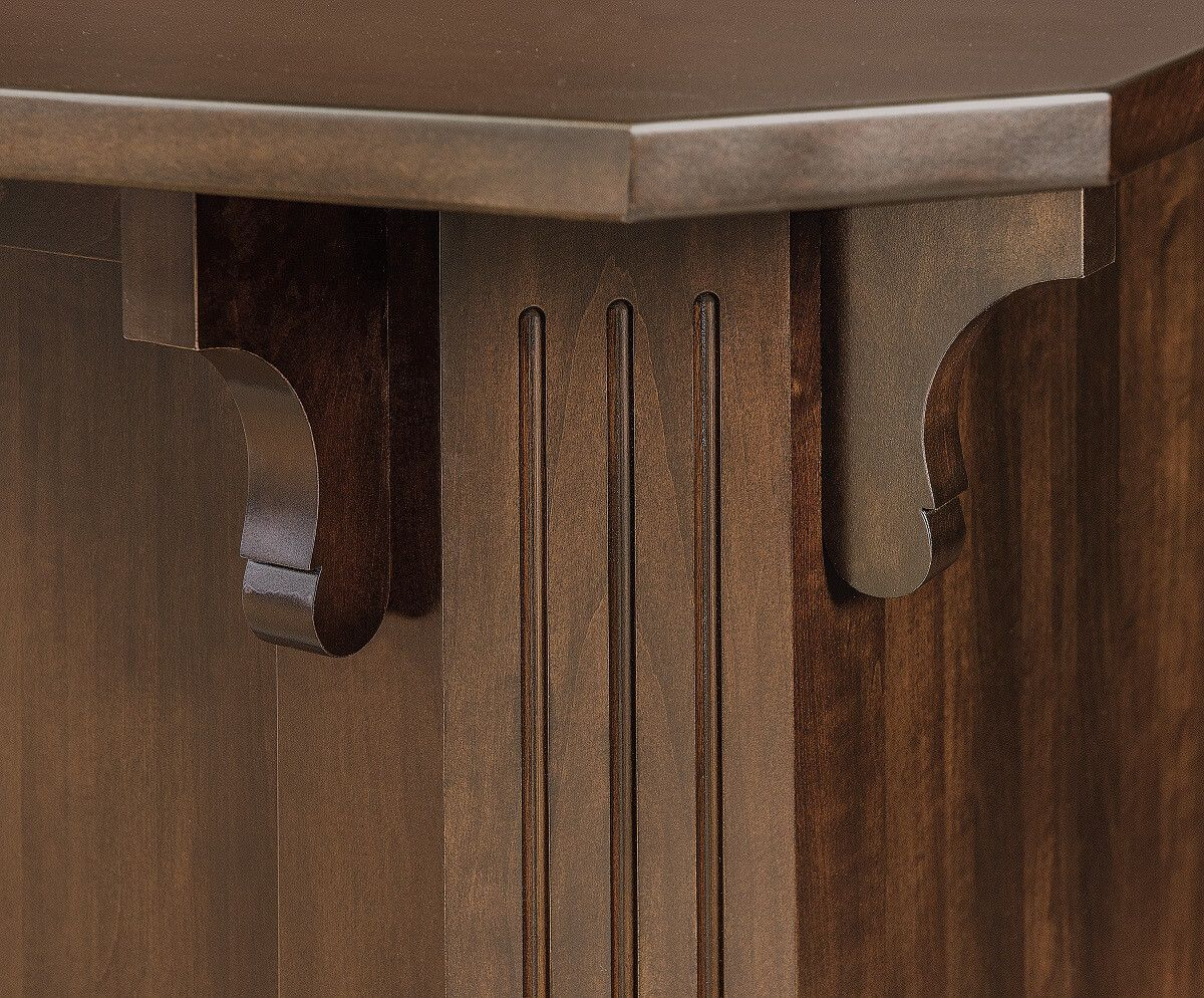 Fluted corners with corbels