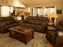 Kenwood Living Room Seating Set