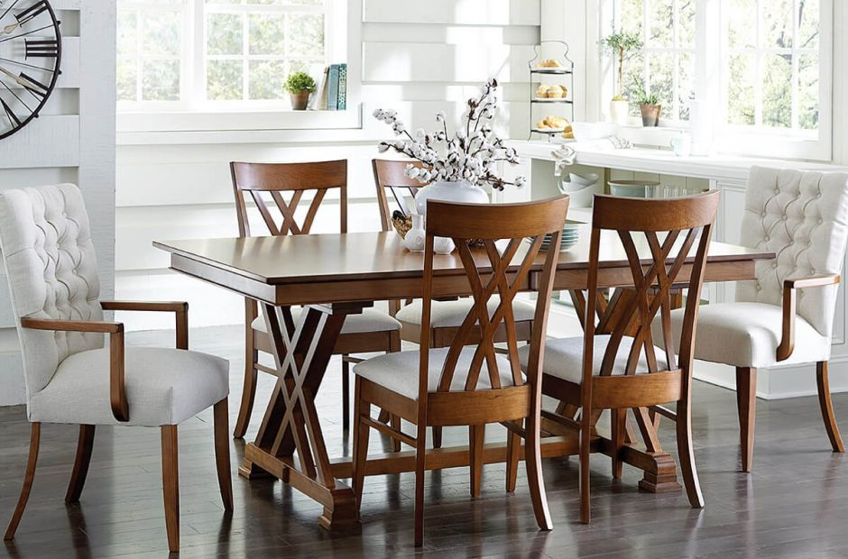 Crown Point Dining Set image 1