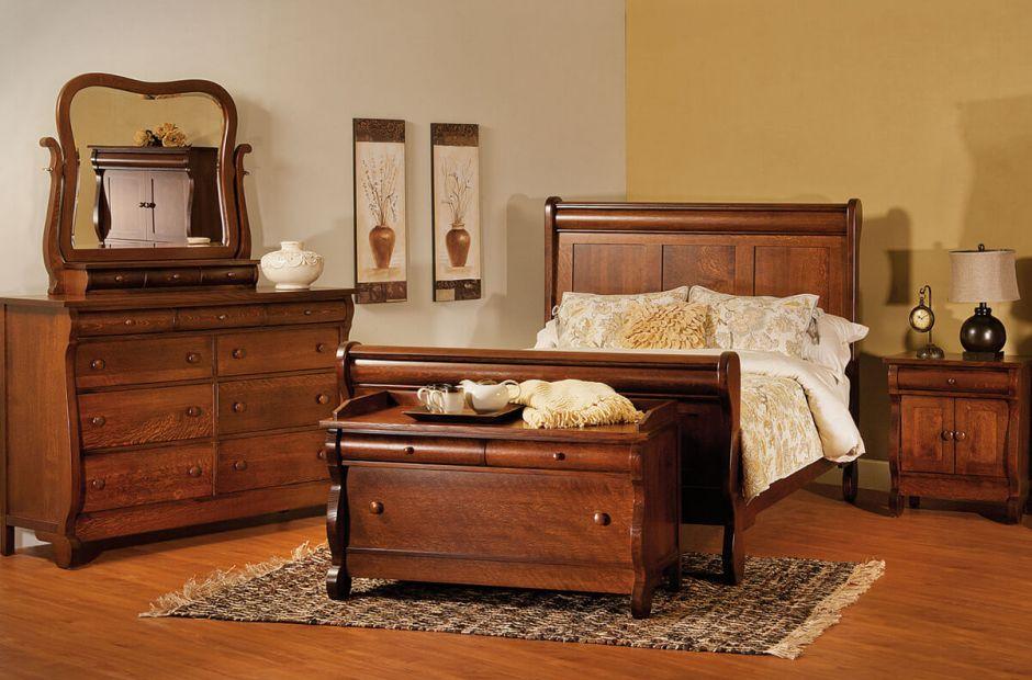 Victoria Sleigh Bedroom Set Image 1