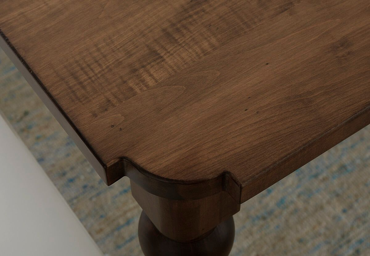 Scalloped Tables Corners