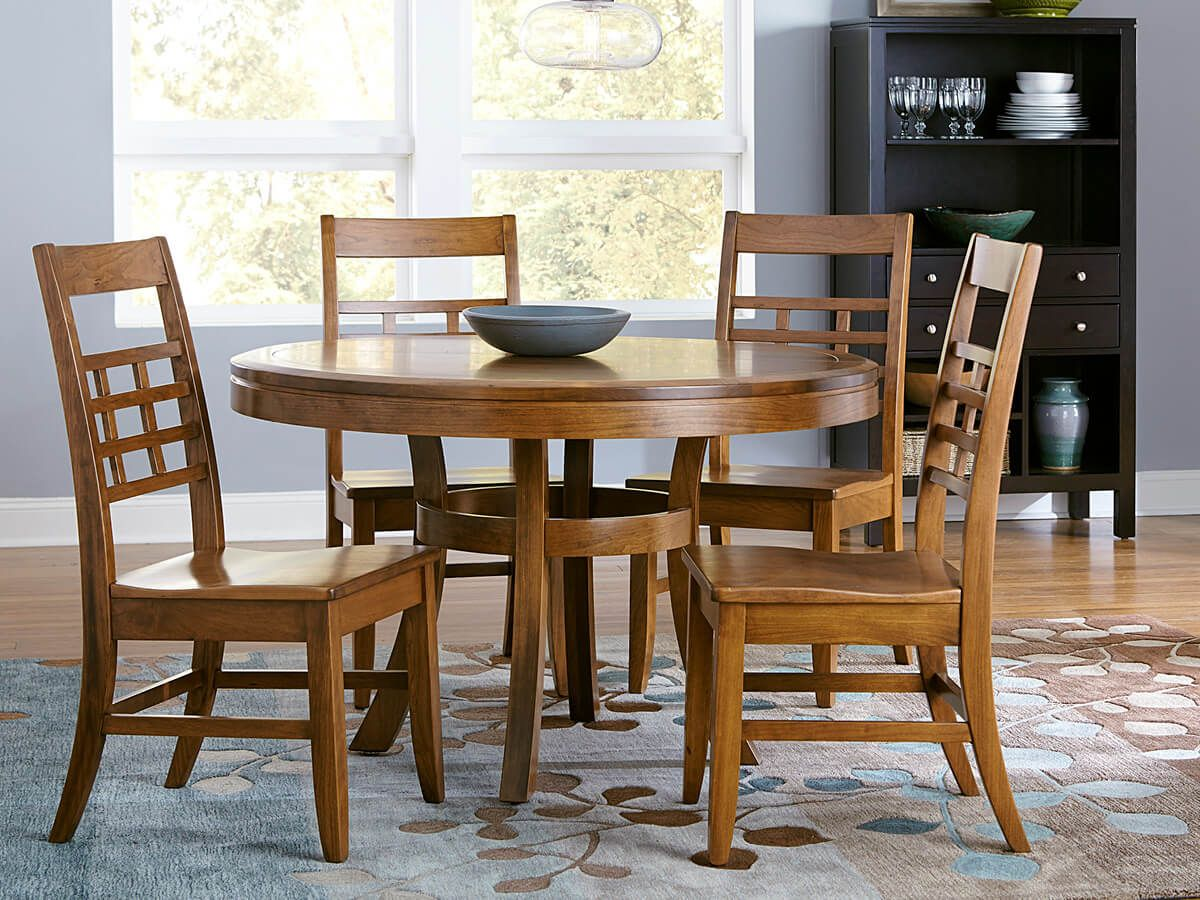 Modern Round Table and Chairs