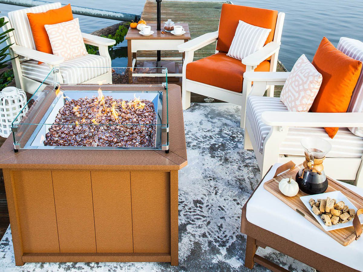 Outdoor Fire Pit Setting