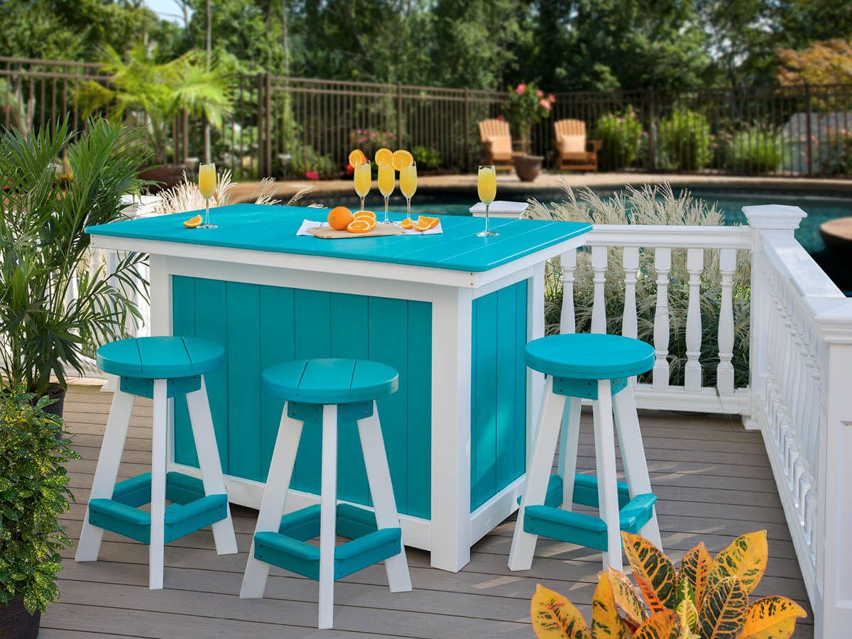Outdoor Island and Bar Stools