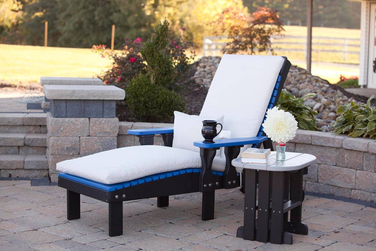Pictured with the Pigeon Point Outdoor Lounge Chair
