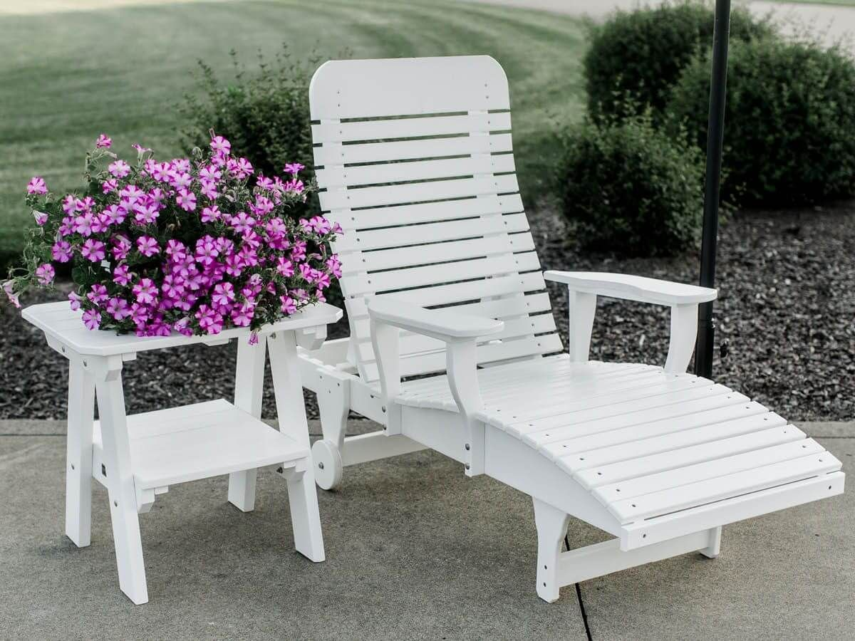 Outdoor Chaise and Sidra End Table
