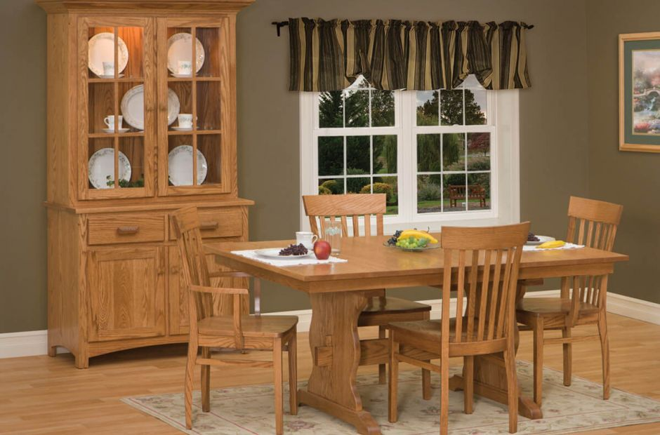 Quebec Dining Room Set Image 1