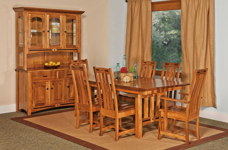 Mason City Mission Dining Set image 1